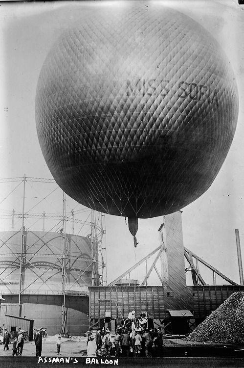 New York. Balloon racer William F. Assmann's Balloon the Miss Sofia, May 3. 1910.