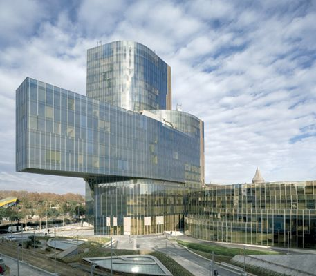New Headquarters Of Gas Natural Building Types Study