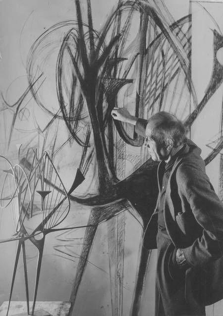 Hans Uhlmann Berlinische Galerie Ihr Museum Fur Moderne Und Zeitgenossische Kunst In Berlin Kunstlerbedarf Zeitgenossische Kunst Kunstlerstudio