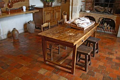Looks like a great bread making table to me French Country kitchens
