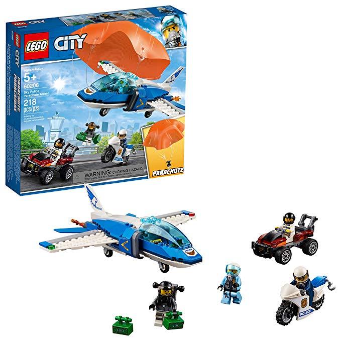 Amazon Com Lego City Sky Police Parachute Arrest 60208 Building Kit 2019 218 Pieces Toys Games Lego City Lego City Police All Lego Sets
