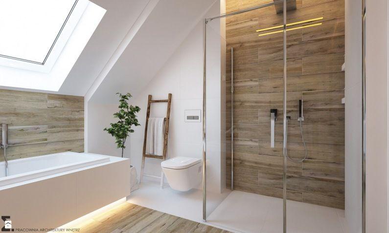 Biała łazienka Z Drewnem Na Poddaszu Lovingitpl