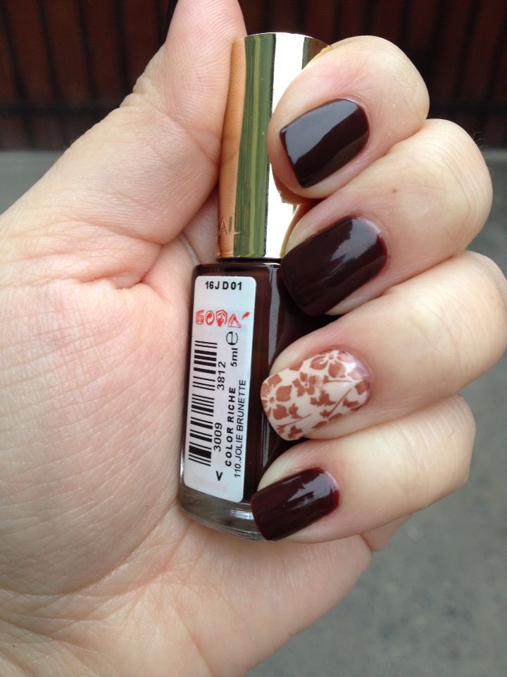 Brown nails with nail accent Base coat Millionails-Essie Base color ...