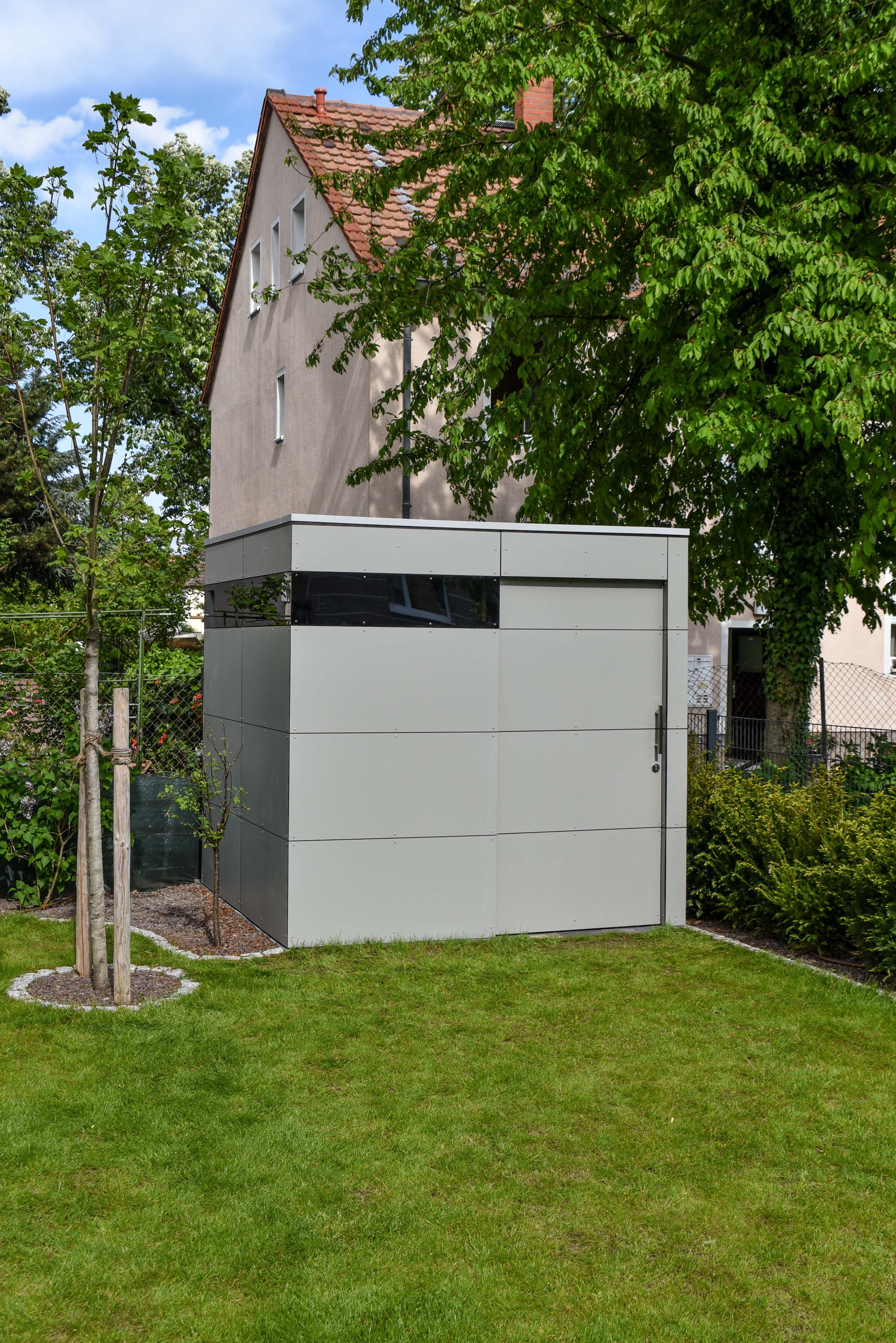 modernes #gerätehaus von design@garten in mainz. hpl-fassade, Moderne