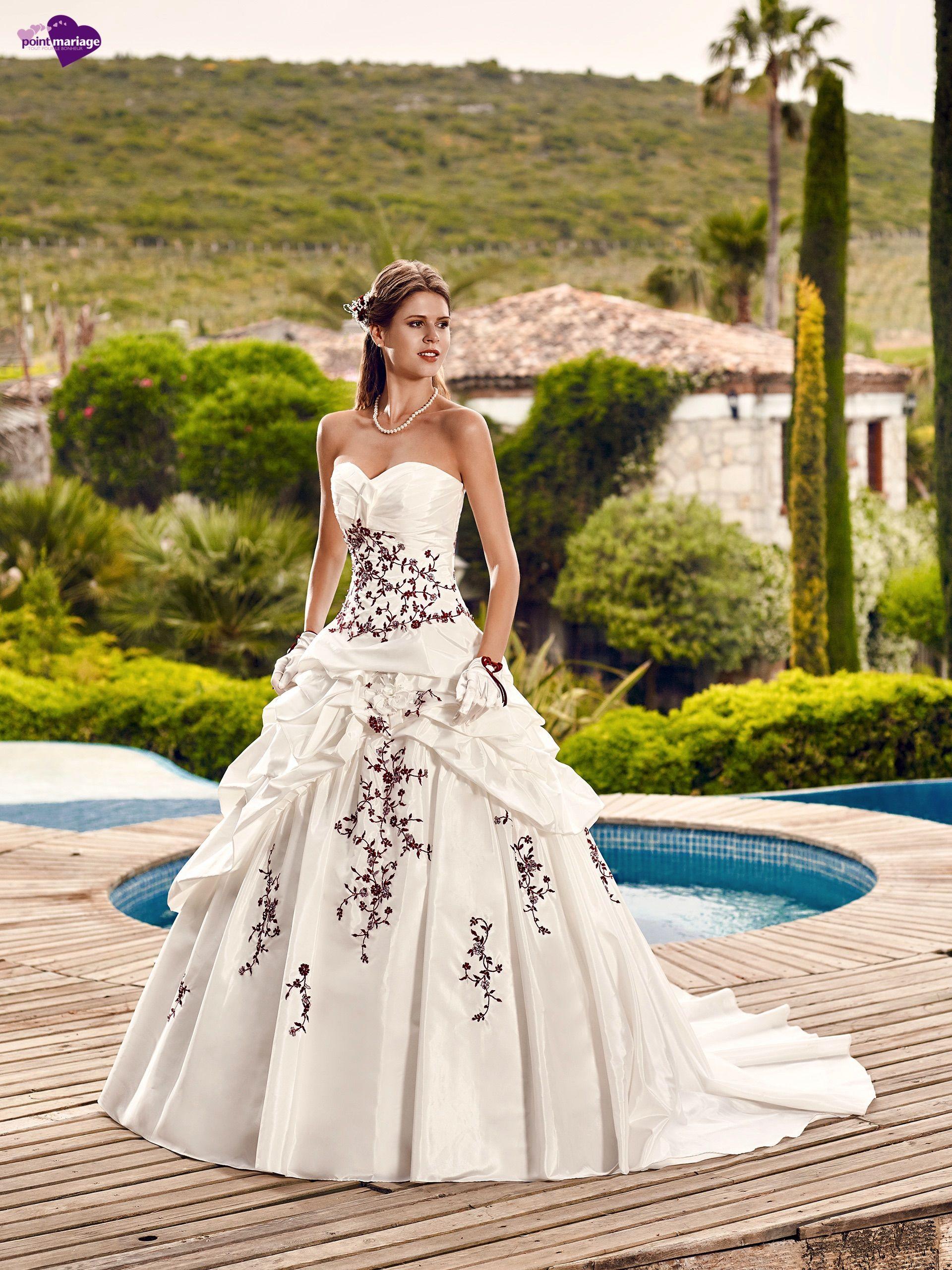Hellebre, collection de robes de mariée - Point Mariage http://www ...