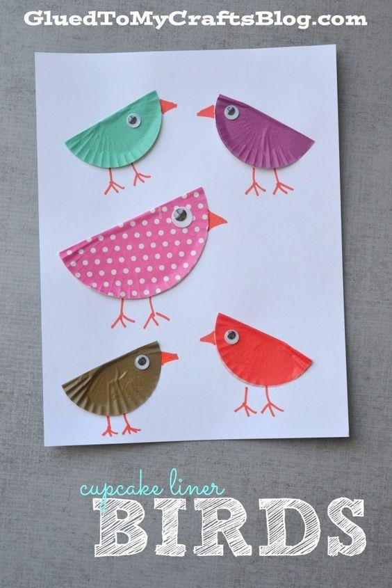 Vögel aus Muffinförmchen basteln