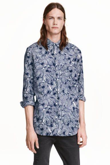 Baumwollhemd: Hemd aus leichter Baumwolle mit verdecktem Button-down-Kragen. Regular Fit.