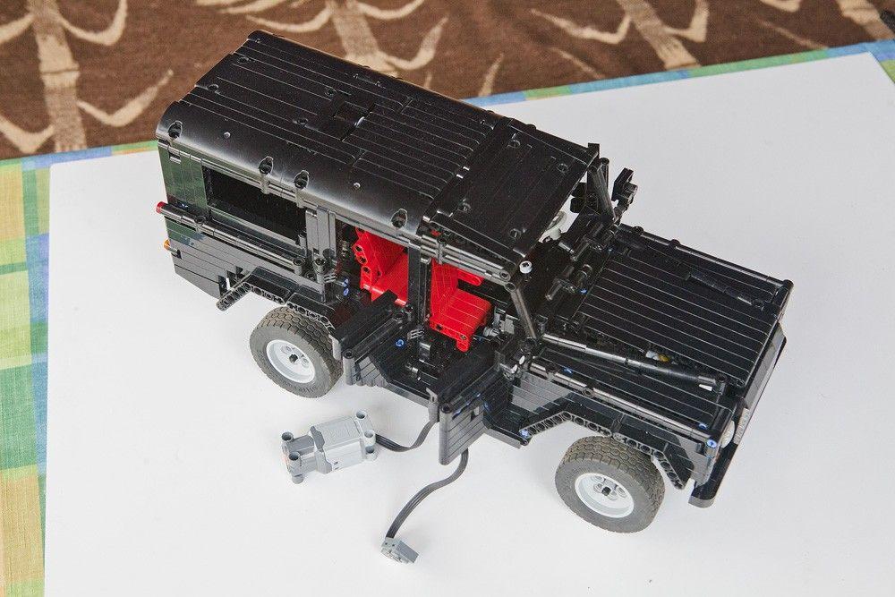 LEGO Land Rover Defender 110