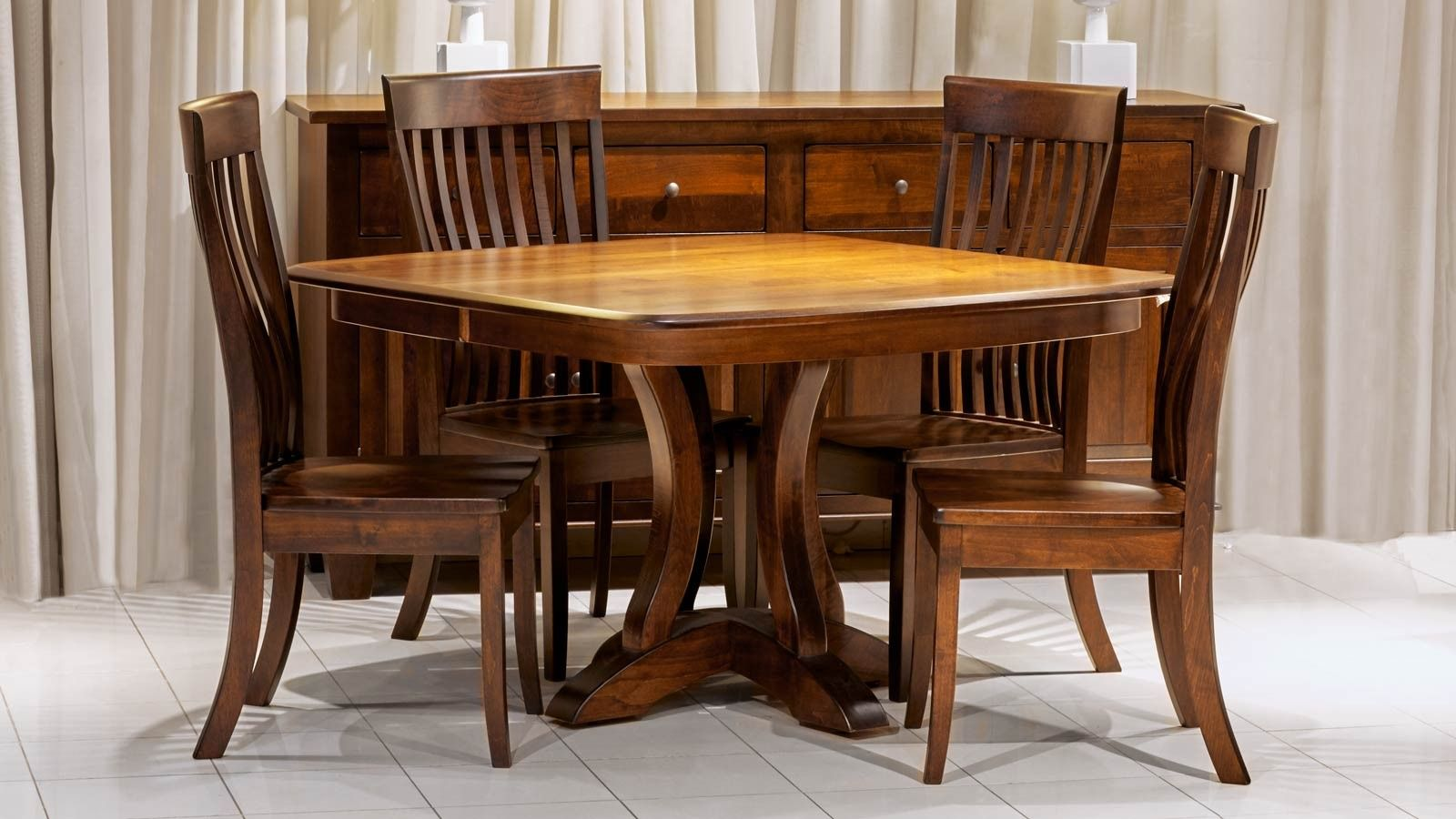 Richfield Table W Baytown Chairs