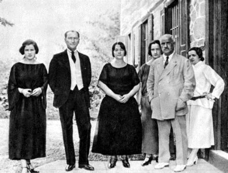 Atatürk ve Latife Hanım / 13 Foto Galeri Haberi için tıklayın! En ilginç ve  güzel haber fotoğrafları Hürriyet'te! | Fotoğraf, Resim, Galeri