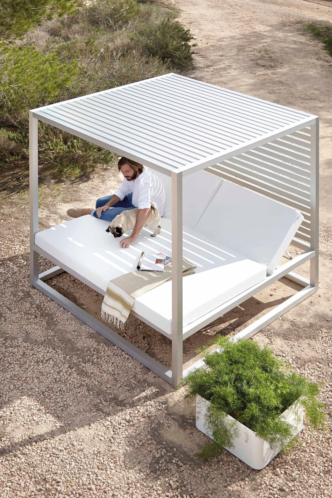 A Daybed That Has Us Dreaming of Summer (Design Milk ... on Living Spaces Outdoor Daybed id=95836