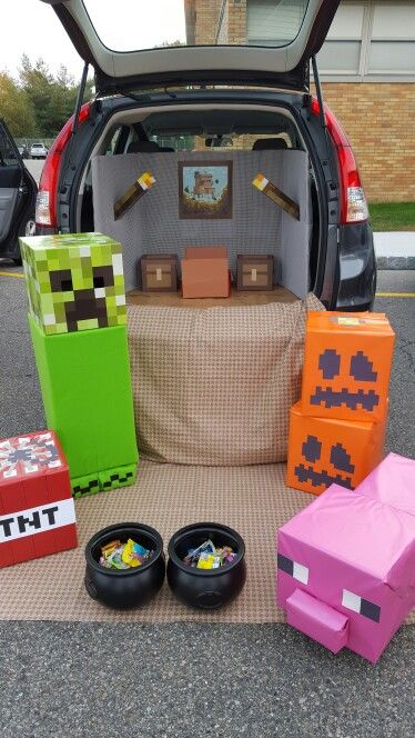 Minecraft Trunk Or Treat With Images Trunk Or Treat