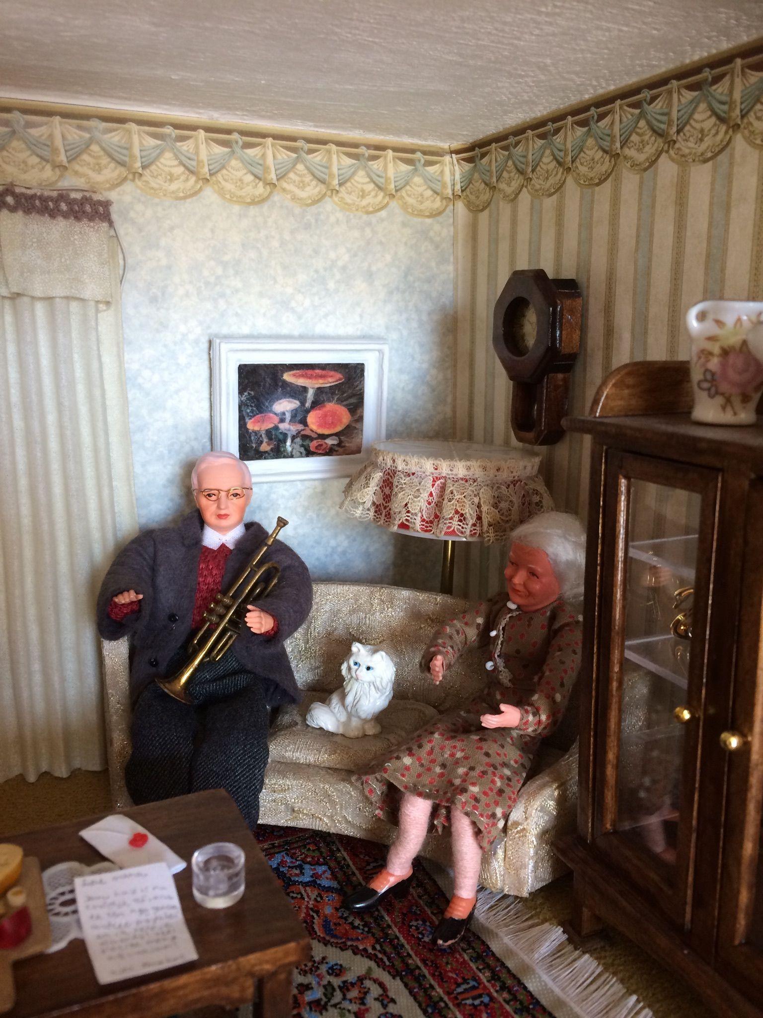 (O)pa is blij met zijn trompet. (O)ma vindt het maar niks. Wat een herrie 😱