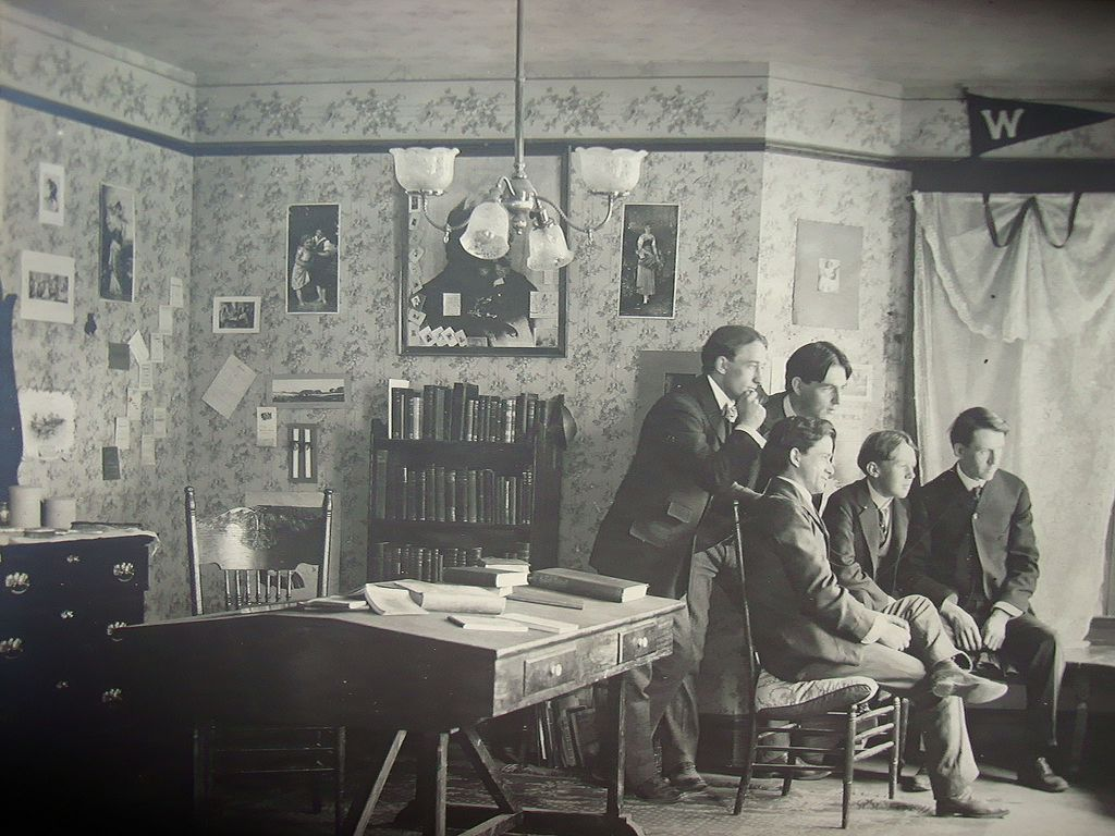 Compelling Photograph Of Inside Of 1890u0027s Brown University Dorm Room Part 61