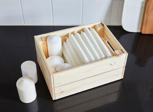 I contenitori in pino massiccio grezzo KNAGGLIG di IKEA sono ideali ...
