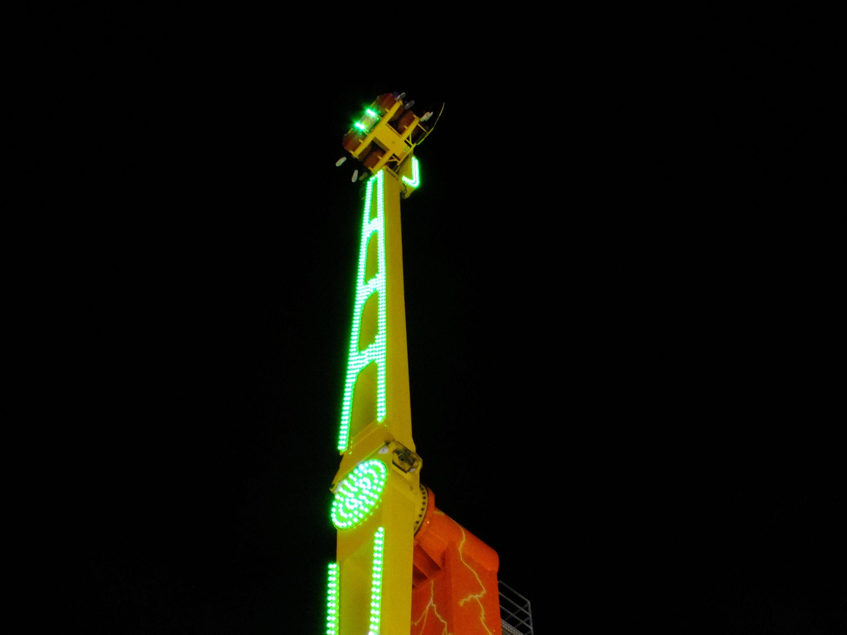 """""""La Feria de Cancún"""" Juegos Mecánicos por Espectaculares García S.A. de C. V. Diciembre 2016 Cancún, Q. Roo, México. Av. Nichupte."""