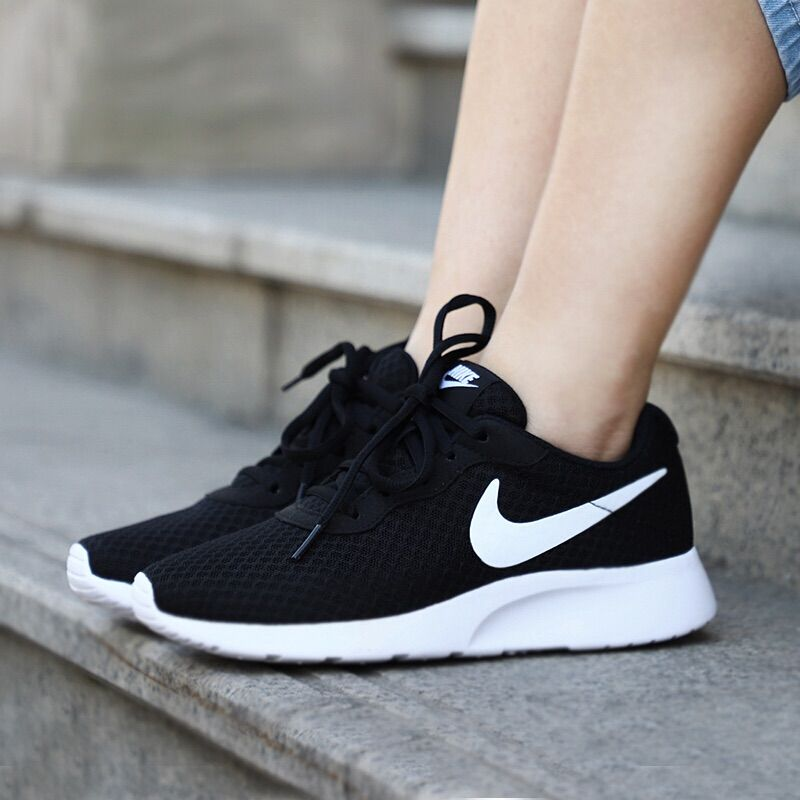 Nike Women S Tanjun Black Black Nike Shoes White Nike Shoes Tennis Shoes Outfit