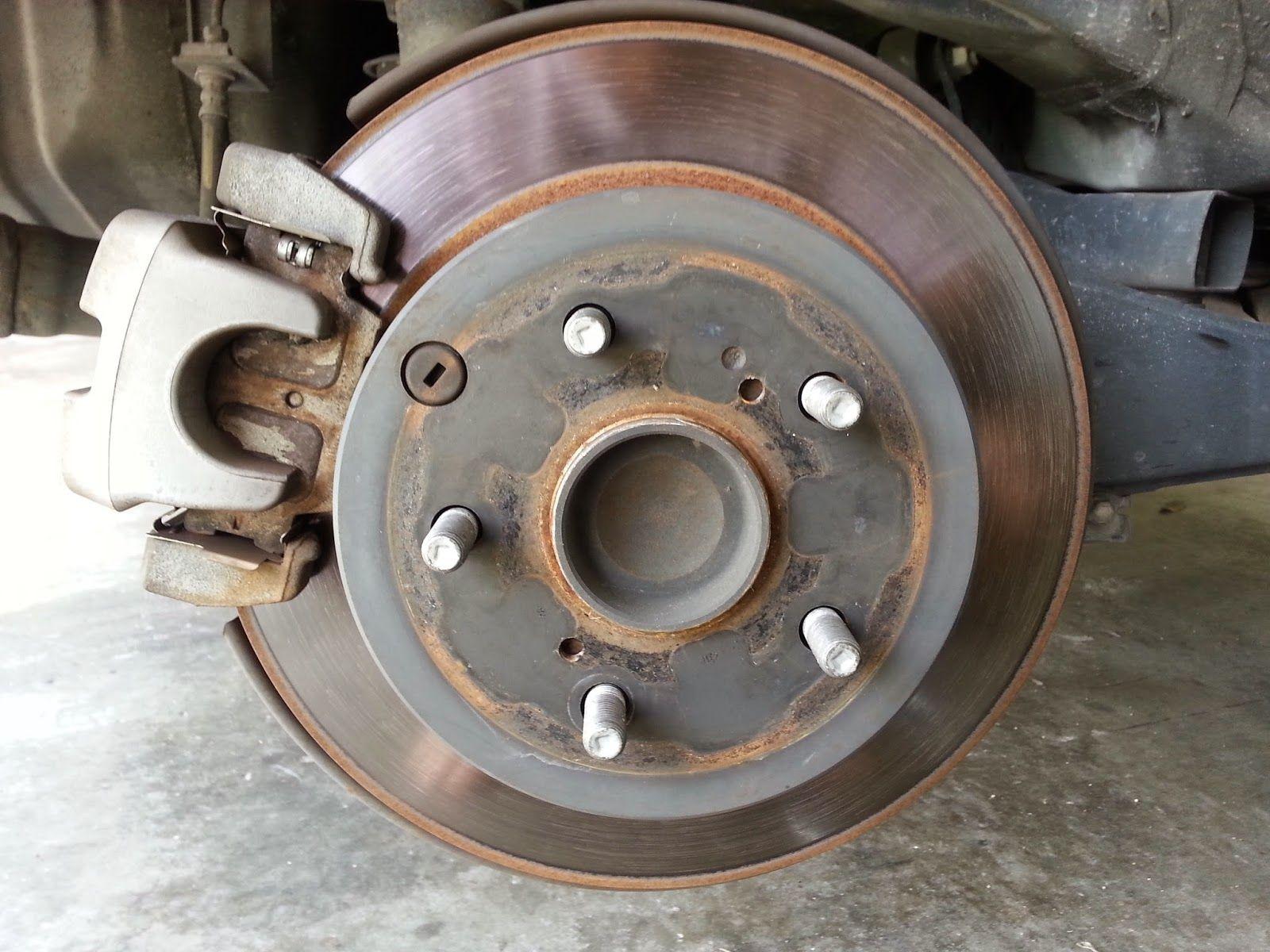 Corolla DIY: DIY - 2009 Toyota Rav 4 Rear Brakes and Rotors Rep.