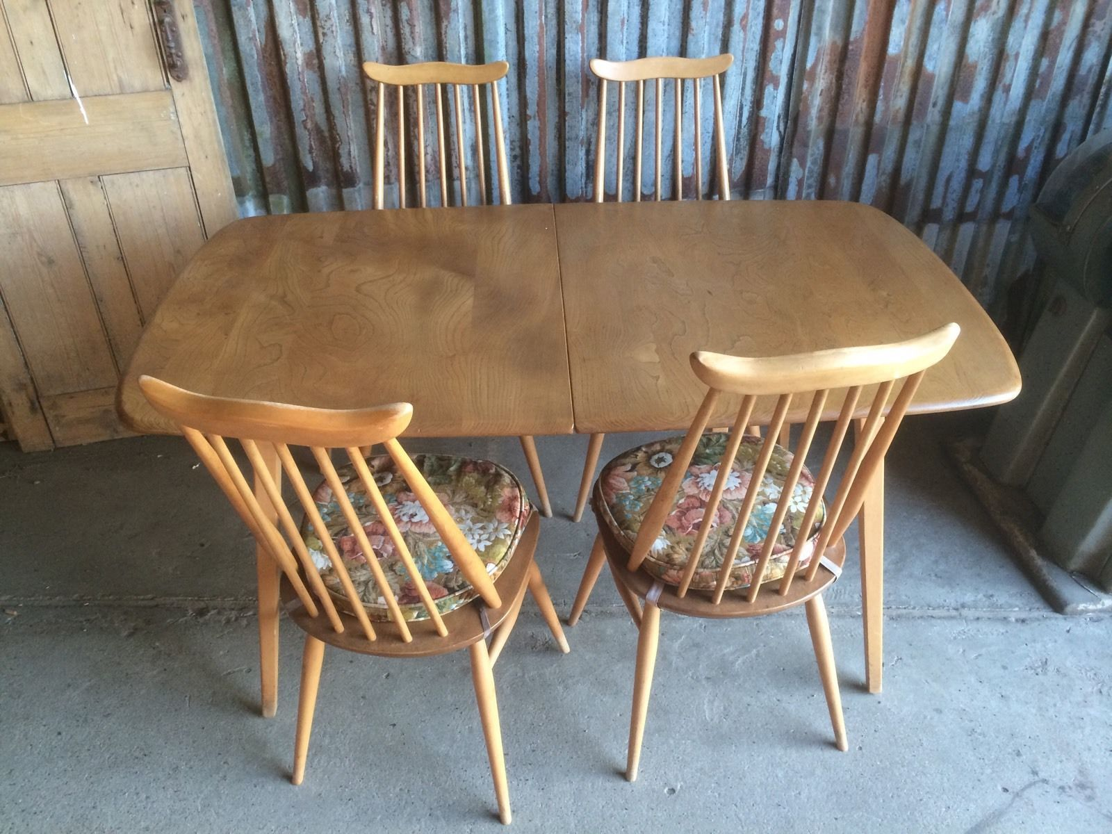 Vintage retro ercol drop leaf round dining kitchen table ebay - Rare 5 Legged Vintage Retro Ercol Grand Extending Plank Table 1960s 4 Chairs Ebay