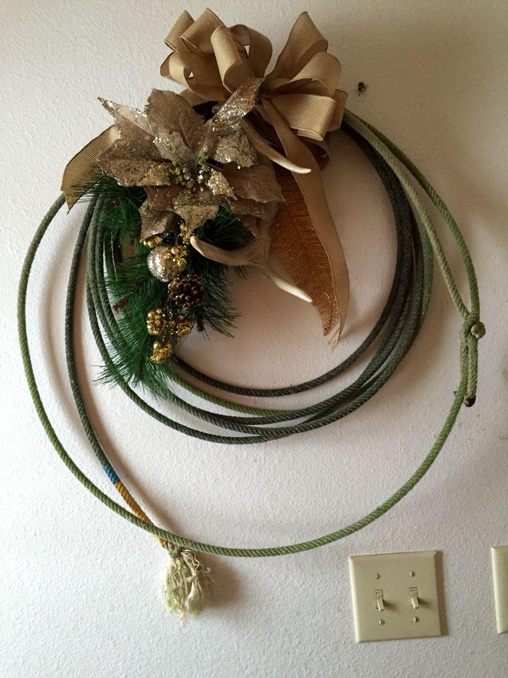 Rope wreath.