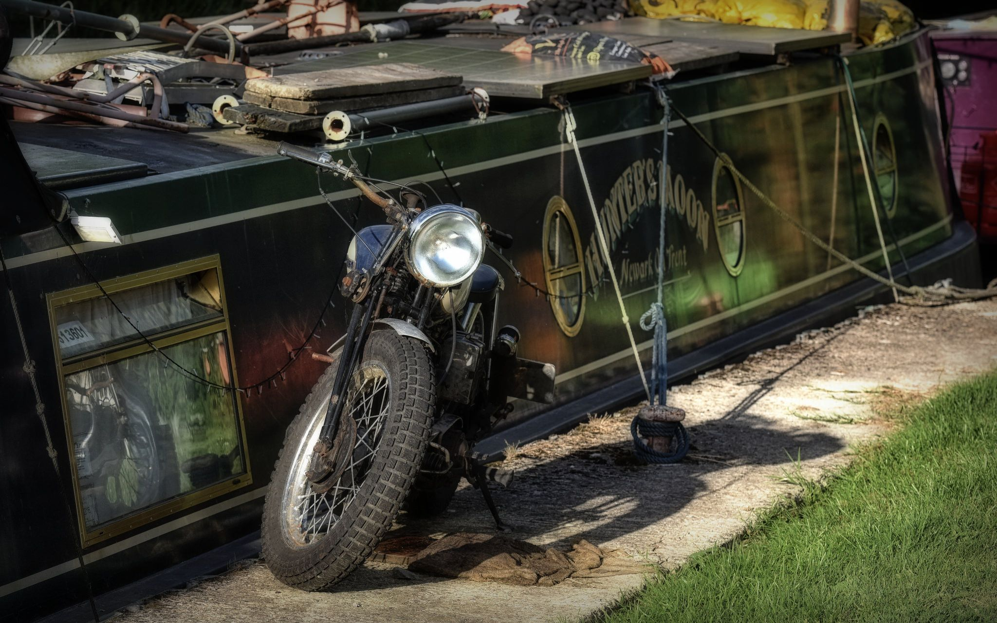 https://flic.kr/p/K7tL6n | Bobber & Barge... | Bobber & Barge.. Kennett & Avon Canal, Wiltshire.