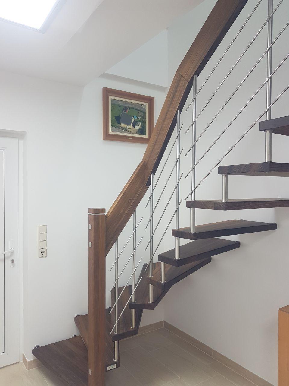 Wunderschöne Offene Treppenanlage Aus Amazakoe Mit Edelstahl