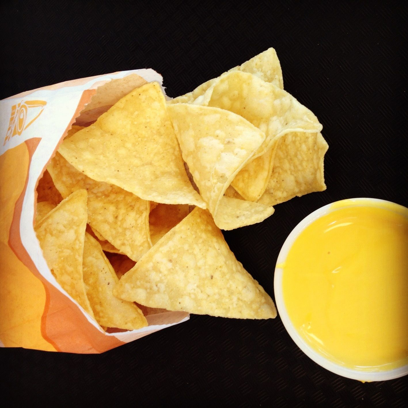 Chips And Nacho Cheese Tacobell Eten