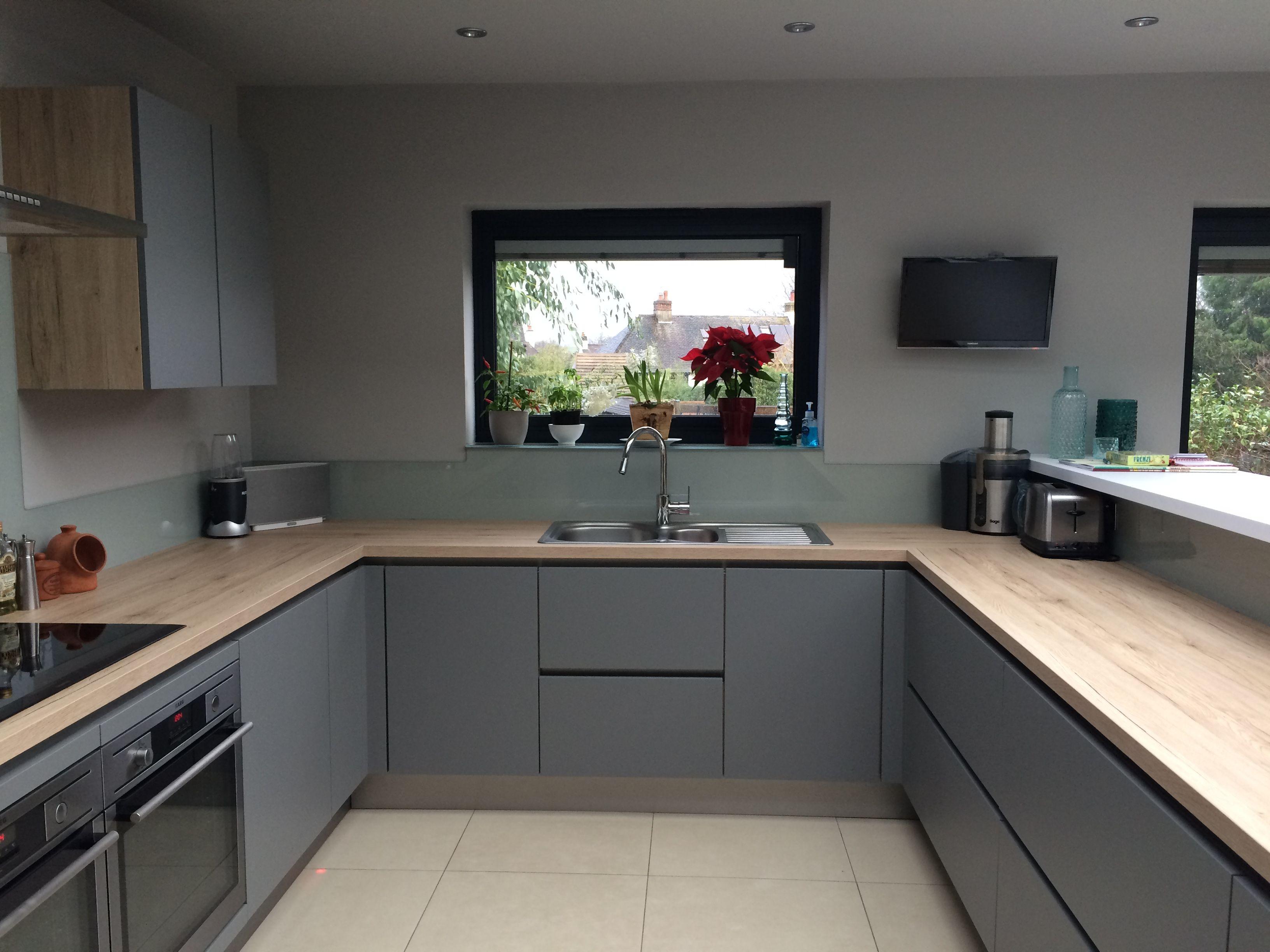 Our kitchen finally matt grey handless units oak for Handless kitchen units