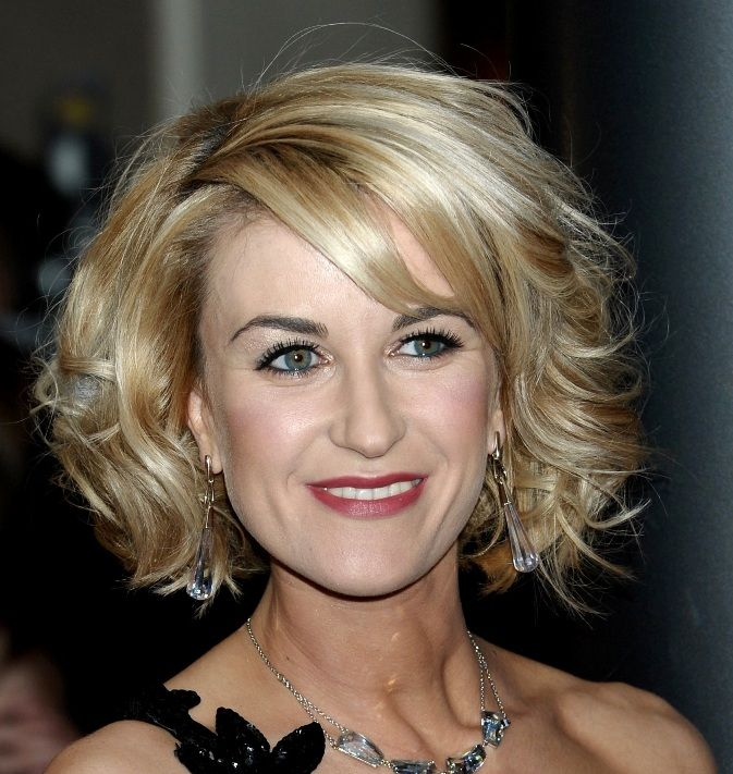 Hairdos for Middle-Age Women | hairstyles for middle aged women with ...