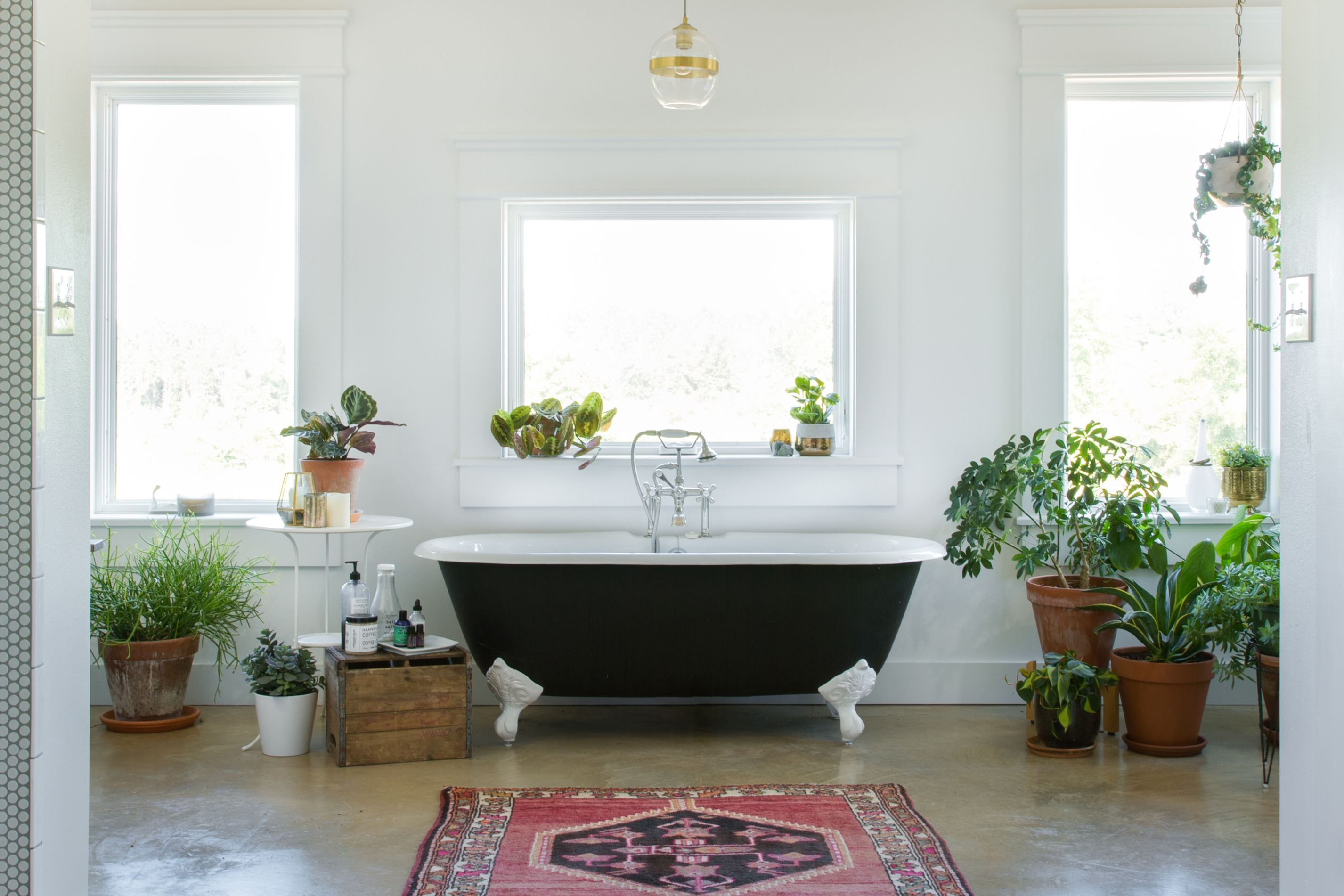 5 Stylish Ways to Warm Up Your Ice-Cold Bathroom in No Time ...