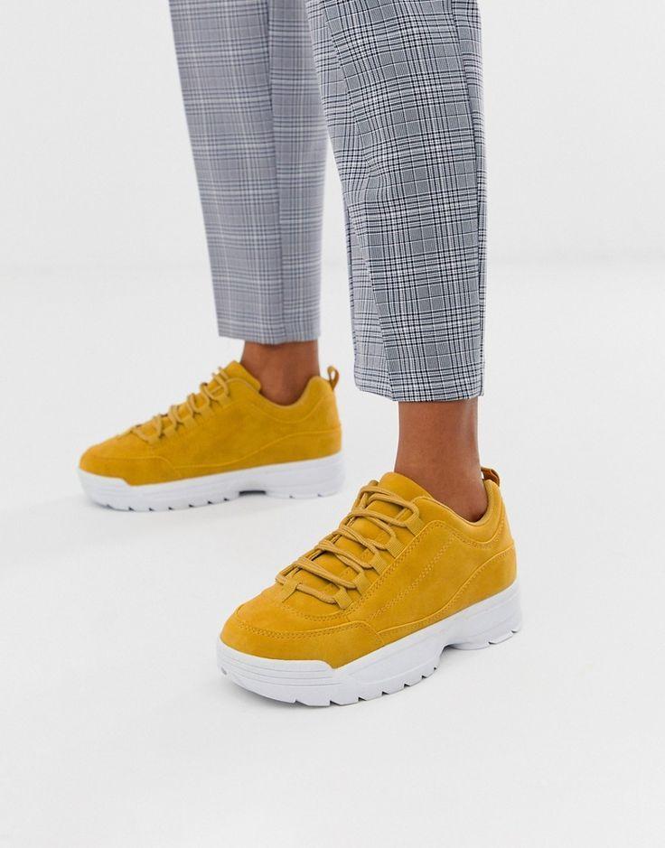 Damenmode von Nike in Gelb