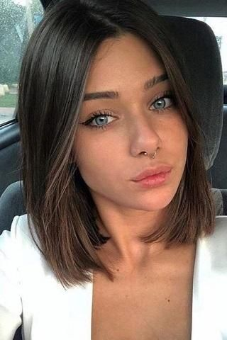 Short Hairstyles For Fine Hair In 2020 Above Shoulder Length Hair Brunette Bob Haircut Short Shoulder Length Hair