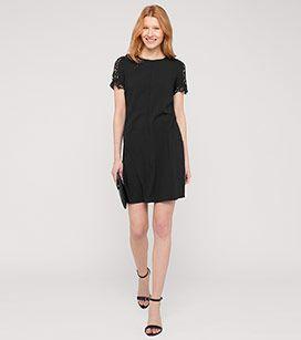Kleid mit Spitzendetails in der Farbe schwarz bei C&A