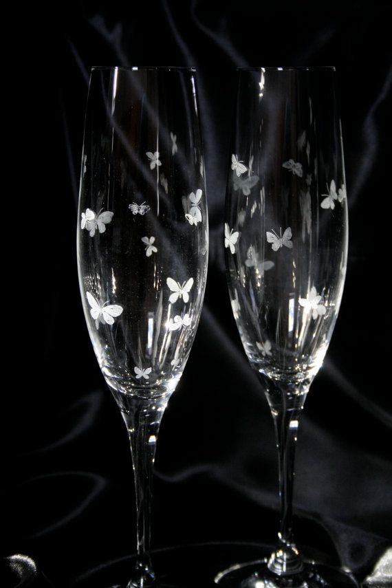 Pair of Wine Glasses Fine Quality Champagne Flutes Beautiful Stemmed Glasses