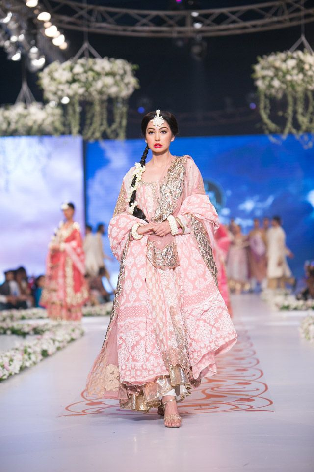 63dc8bd6de HSY Bridal Collection at PBCW 2014 DAY 3 - soooooo pretty. I love pinks like  this and HSY always do a great job! This could even be a different take on  a ...