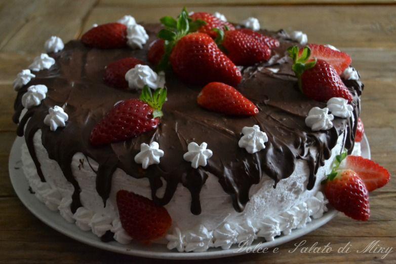 ricetta Torta al cioccolato panna e fragole| Dolce e Salato di Miky