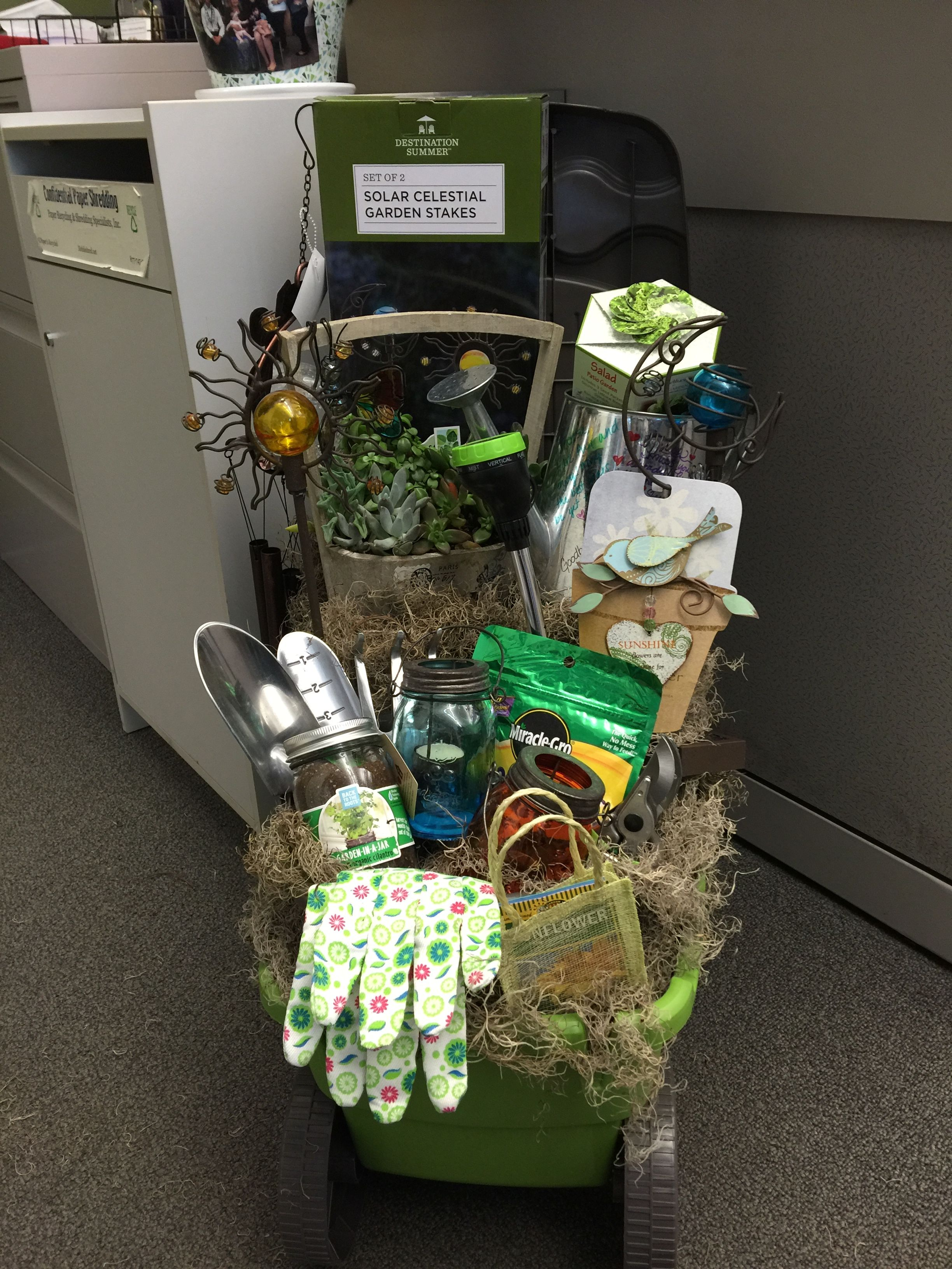 Charmant Retirement Gift Basket