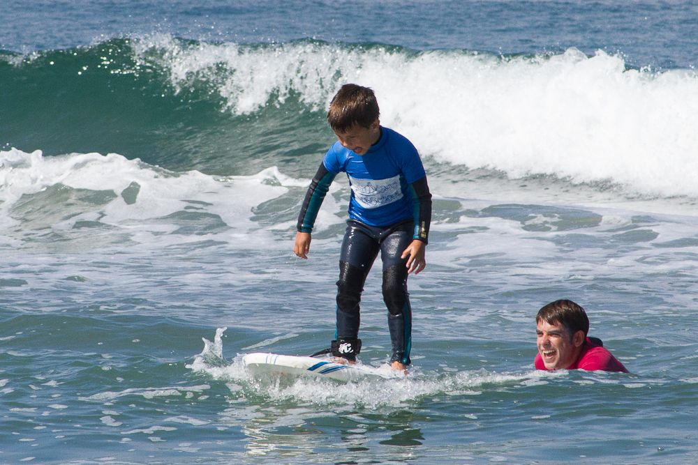 Group surf lessons 90 minutes surf lesson surfing surf