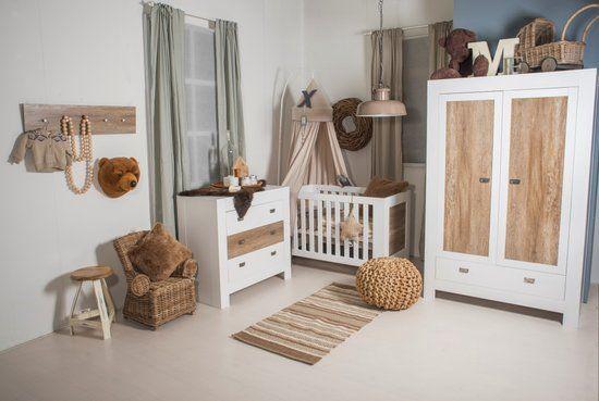 Fantastische Babykamers Outlet : Een fantastische beach look als babykamer met deze vrolijke kamer