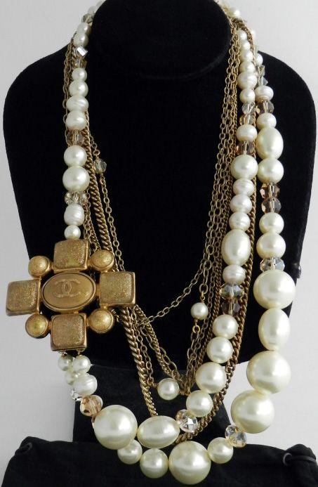 abb573f15b3 Gripoix - Bijoux - Chanel - Sautoir - Perles et Croix