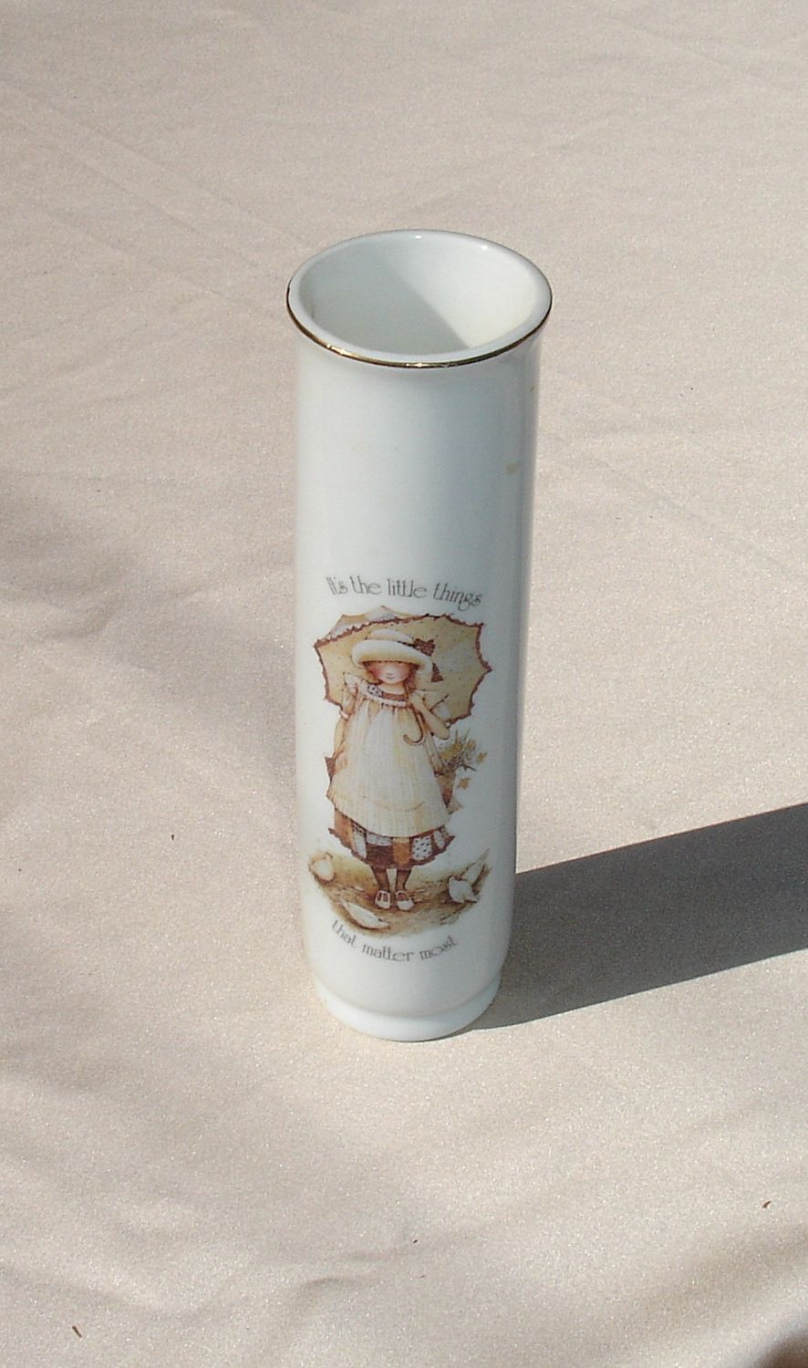 Vintage holly hobbie its the little thing that matter most vintage holly hobbie its the little thing that matter most porcelain vase reviewsmspy