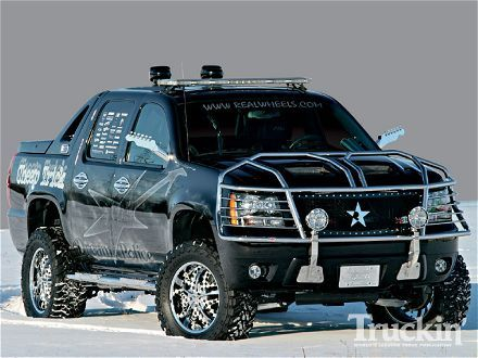 Chevy Avalanche Still Looks Good With The Chrome And I Don T Like Chrome Chevy Avalanche Lifted Chevy Trucks Avalanche Chevrolet