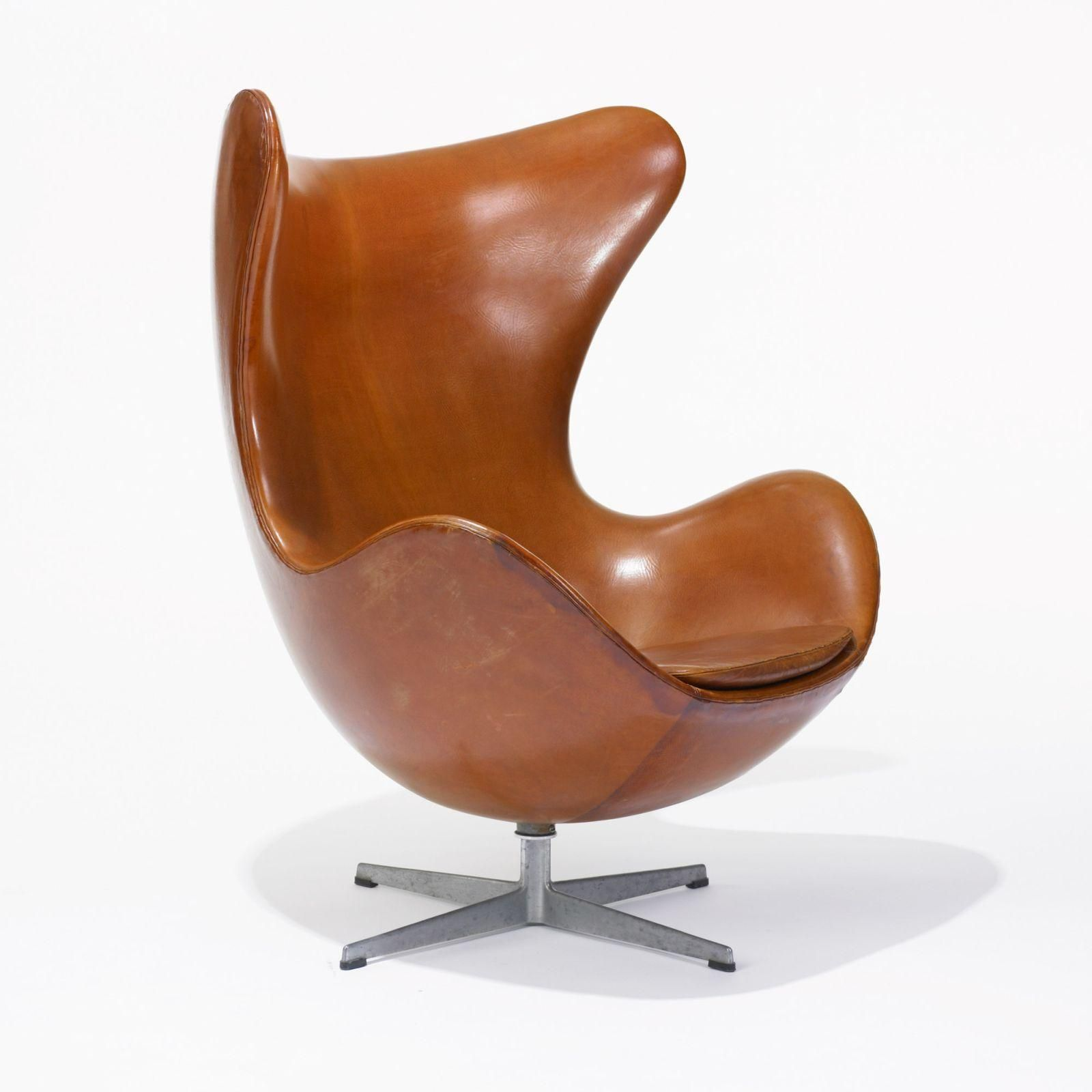 arne jacobsen the egg chair model 3316 cuir cognac. ed: fritz hansen