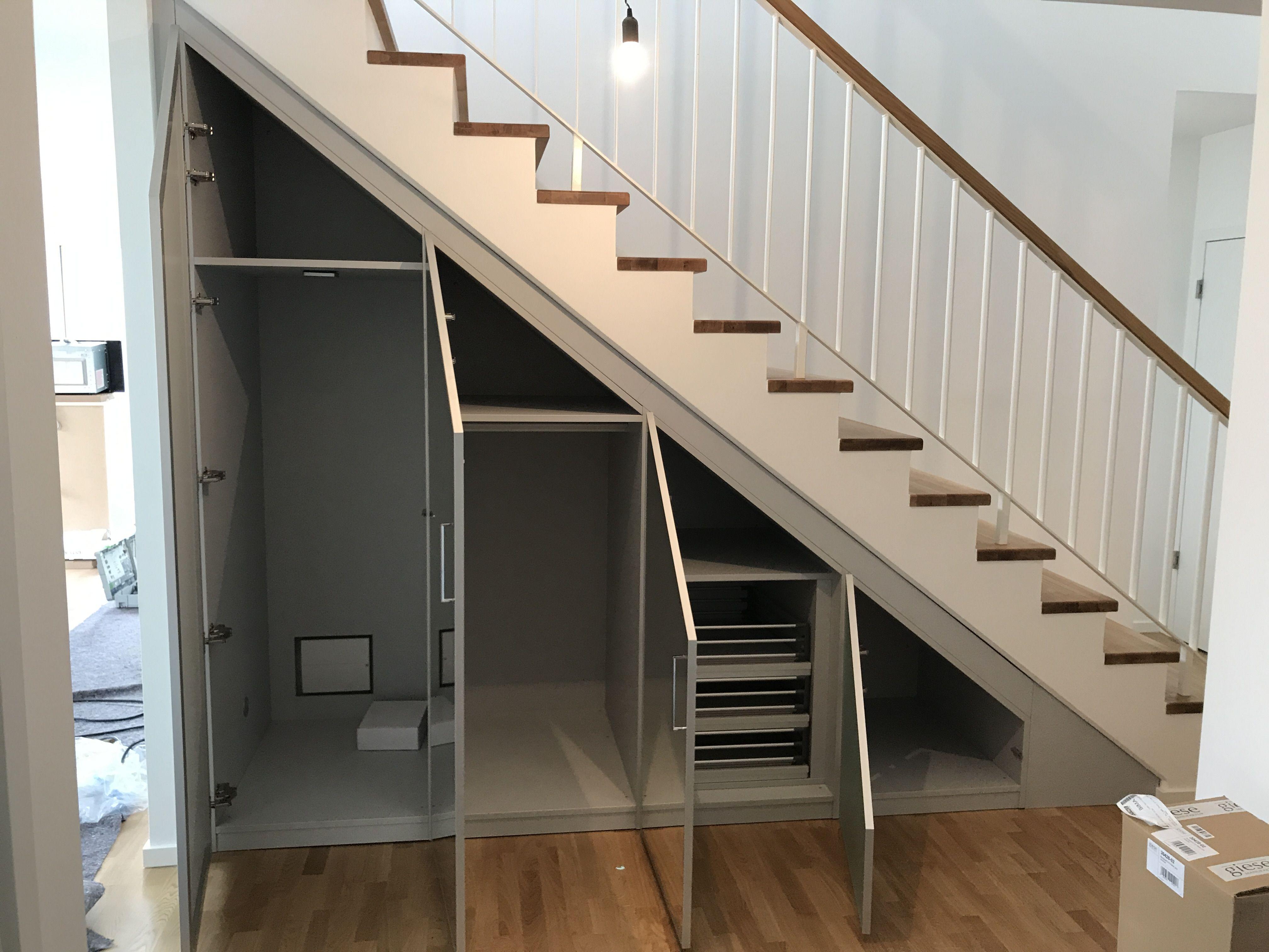 einbauschrank treppe