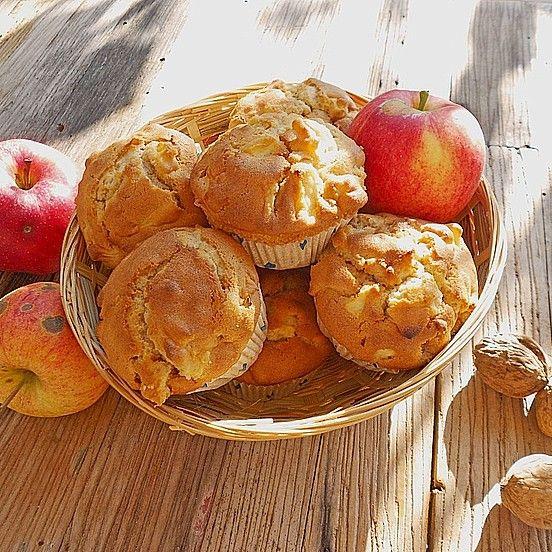 Unbedingt Apfelmenge u viel(mehr) Nuss, gerne auch Haselnuss