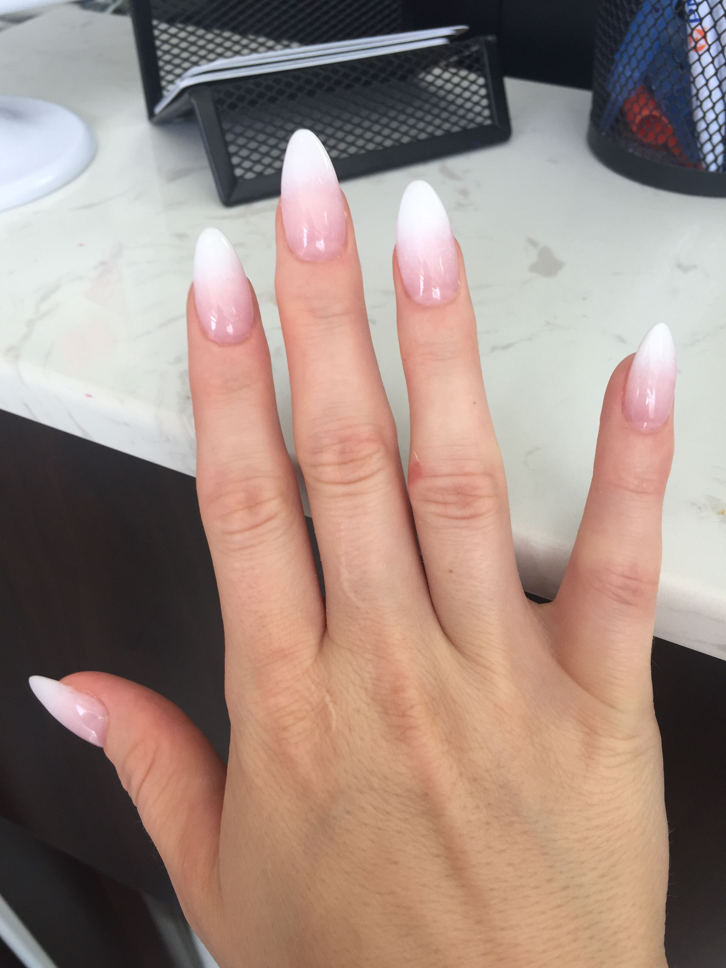 French Ombre Almond Shaped In 2020 With Images Paznokcie Ombre