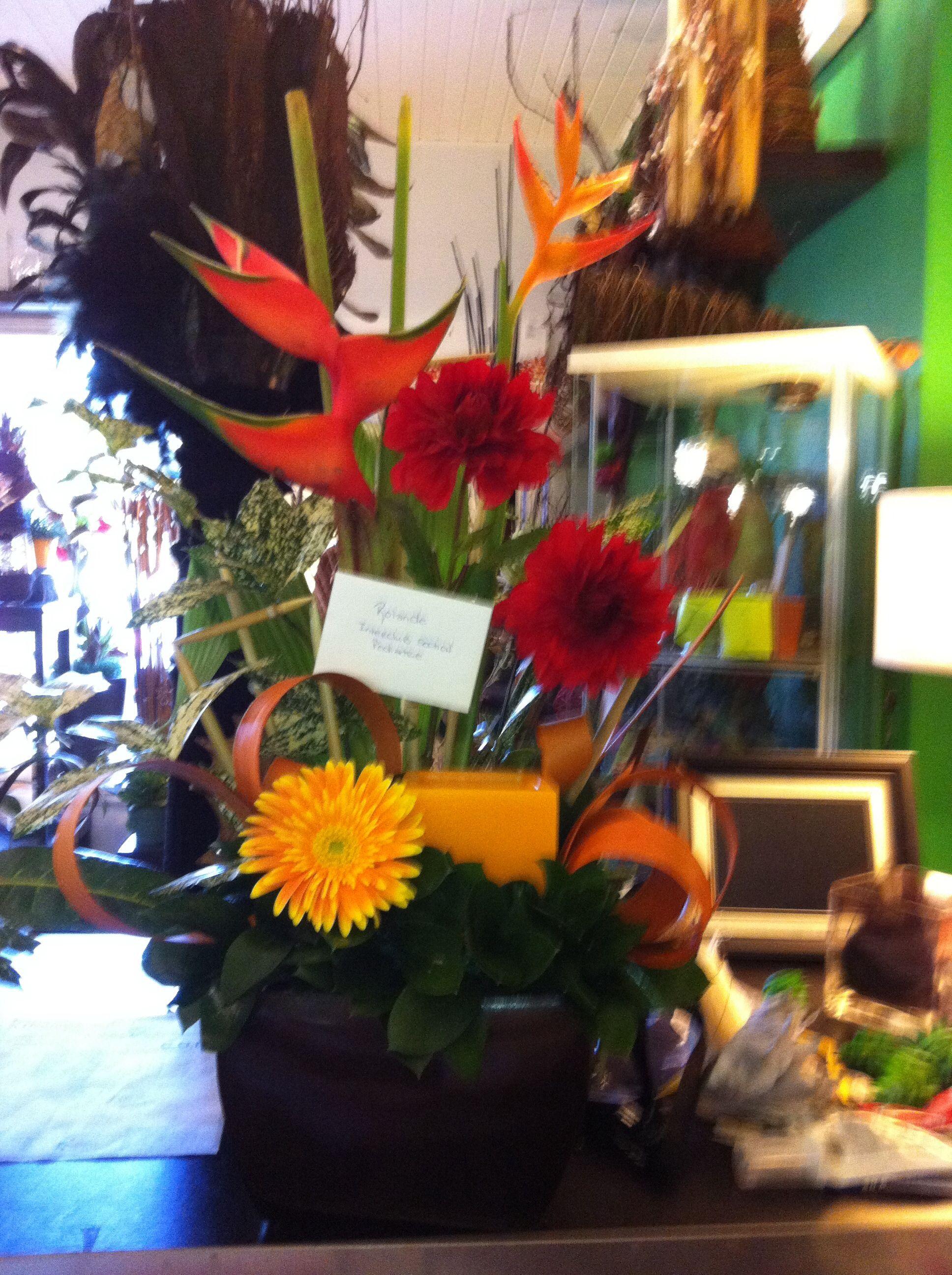 Arrangement de fleurs coupées et photosphore