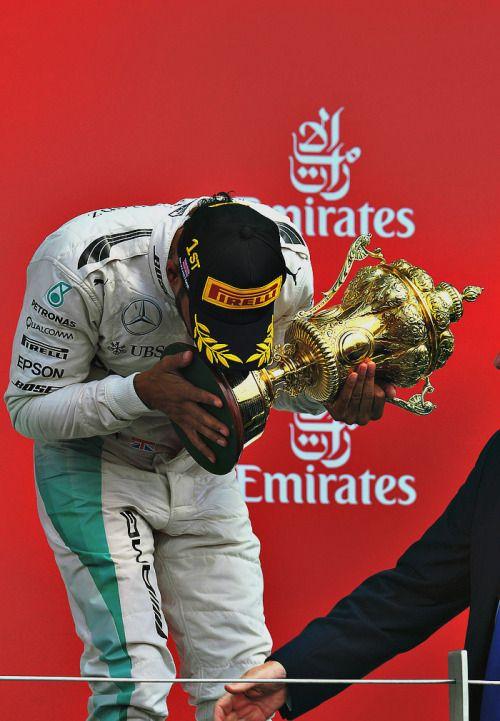 Lewis Hamilton l Great Britain 2016