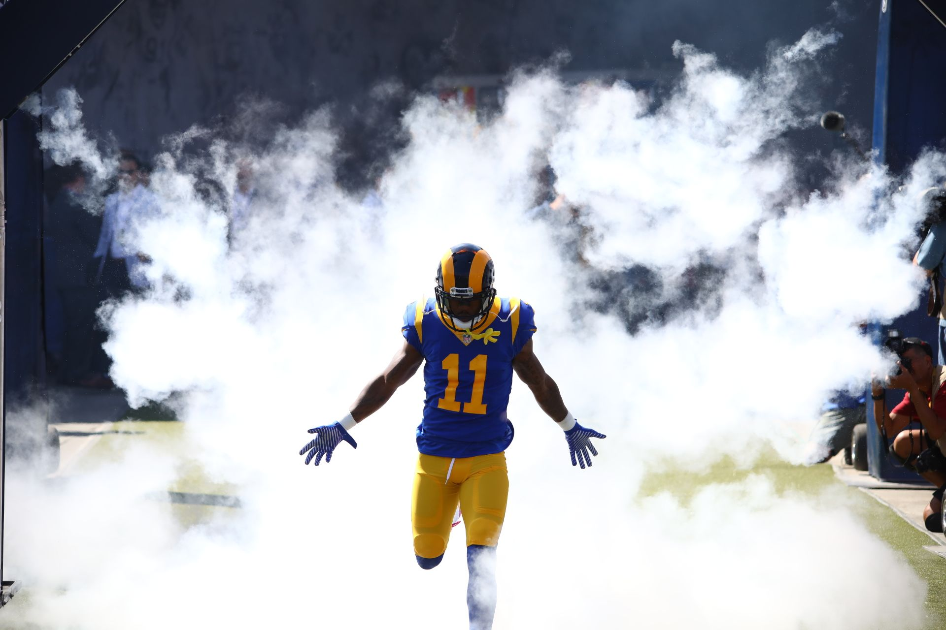 May We All Enter A Room Like Losangeles Rams Wr Tavon Austin Took The Field In Week 5 Fantasy Football Shirt Fantasy Football Humor Nfl Fantasy