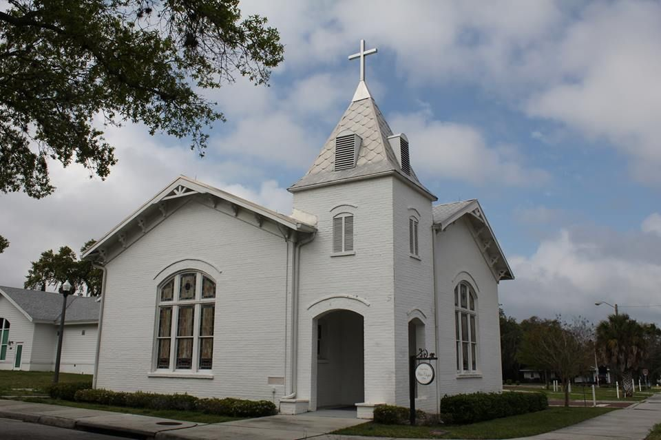 Non Denominational Wedding Chapel Downtown Palm Harbor Florida With A Great Function Room For Reception